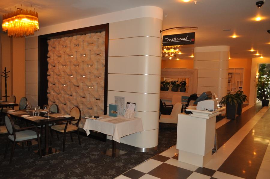Гостиница Хилтон, Краснодар. Мебель для ресторанов